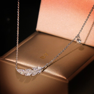 Delicate Female Clavicle Chain 95 Sterling Silver Feather Leaf Micro Pave Dazzling AAA Zircon Pendant Necklace for Women