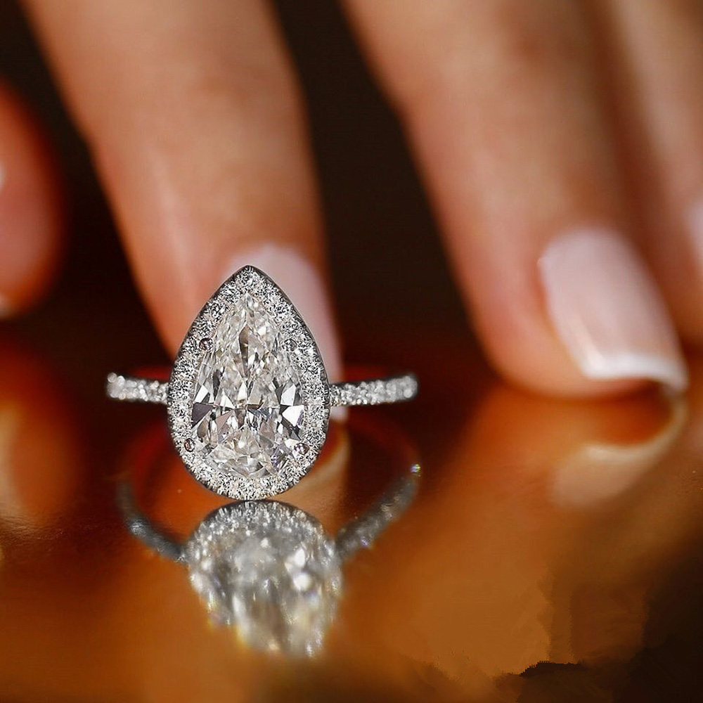 Huitan Hot Sale Water Drop Design Women Ring Micro Paved Crystal Zircon Elegant Bridal Wedding Engagement Jewelry Ring for Lover
