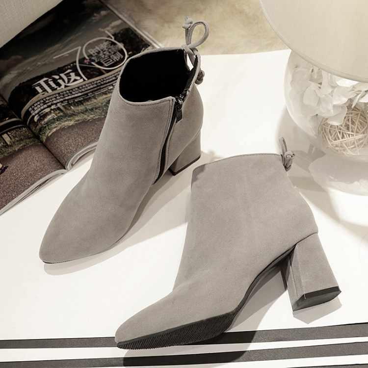 Gümrükleme özel fiyat moda kadın yarım çizmeler kış kadın ayakkabı rahat yüksek topuklu sivri burun sıcak kar botları mujer Q012