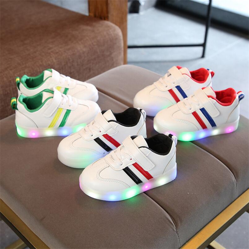 Oeak New Brand Cute Breathable Kids Light Shoes High Quality Autumn Baby Girls Boys Toddlers Fashion LED Children Sneakers