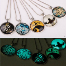 Classic Halloween Gift Luminous Pendant Necklace Creative Glowing Christmas Tree Glass Personality Jewellery for Women Men