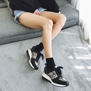 Image 5 - 2020 نساء ليوبارد أحذية رياضية شتاء الخريف منصة أسافين أحذية السيدات موضة الأفعى نمط غير رسمي