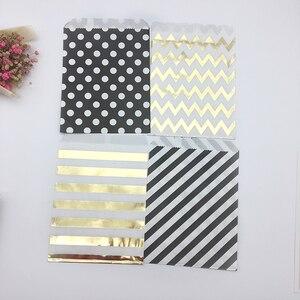 Image 3 - 100pcs מעורב שחור וזהב מנוקדת שברון פסים נייר שקיות פינוק גודי בעד שקיות לחתונה יום הולדת סוכריות מתוק אריזה