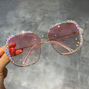 Image 2 - 2019 أوروبا وأمريكا نظارات شمسية فاخرة المرأة ساحة حجر الراين نظارات شمسية النظارات الشمسية
