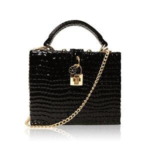 Image 3 - 뱀 인쇄 상자 핸드백 여자 사문석 잠금 작은 사각형 PU 저녁 클러치 숄더 가방 숙녀 저녁 파티 지갑 성격