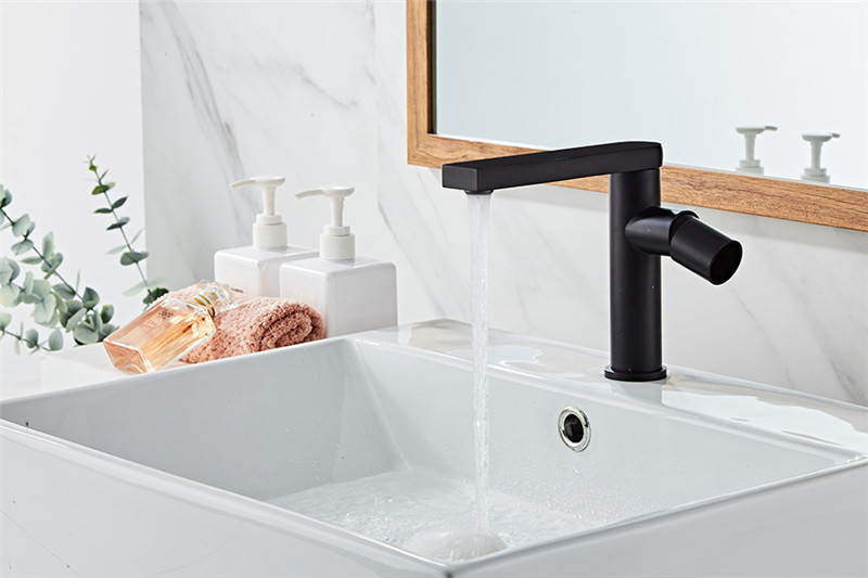 H8339fdfac1ae43f59aa91c6a653bbb49m Basin Faucet Gold Bathroom Faucet Single handle Basin Mixer Tap Hot and Cold Water Faucet Brass Sink Water Crane New Arrivals