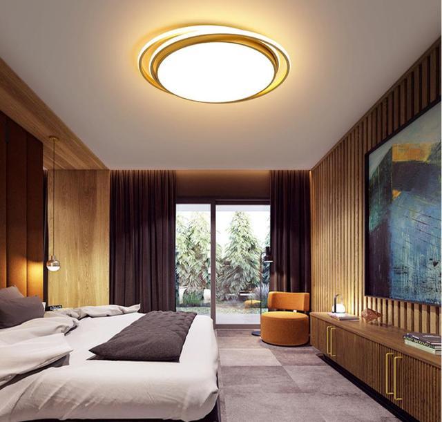 Фото современный потолочный светильник для спальни теплый и романтичный