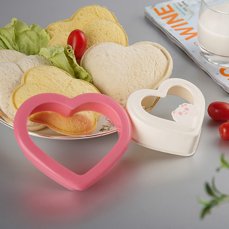 Sandwich Plastic Mold Love Shaped Toast Mold Boxed Bread Mold Sandwich Mold With Pattern Baking Mold