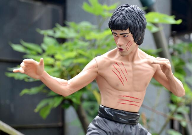 35cm Bruce Lee Fight Ver. PVC Action Figure Statue Collection Model Toys
