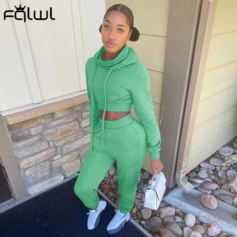 FQLWL Streetwear Crop Top Hoodies Jogger Jogginghose Set 2 Zwei Stück Set Frauen Trainingsanzug Damen Schweiß Anzug Outfits Passenden Sets