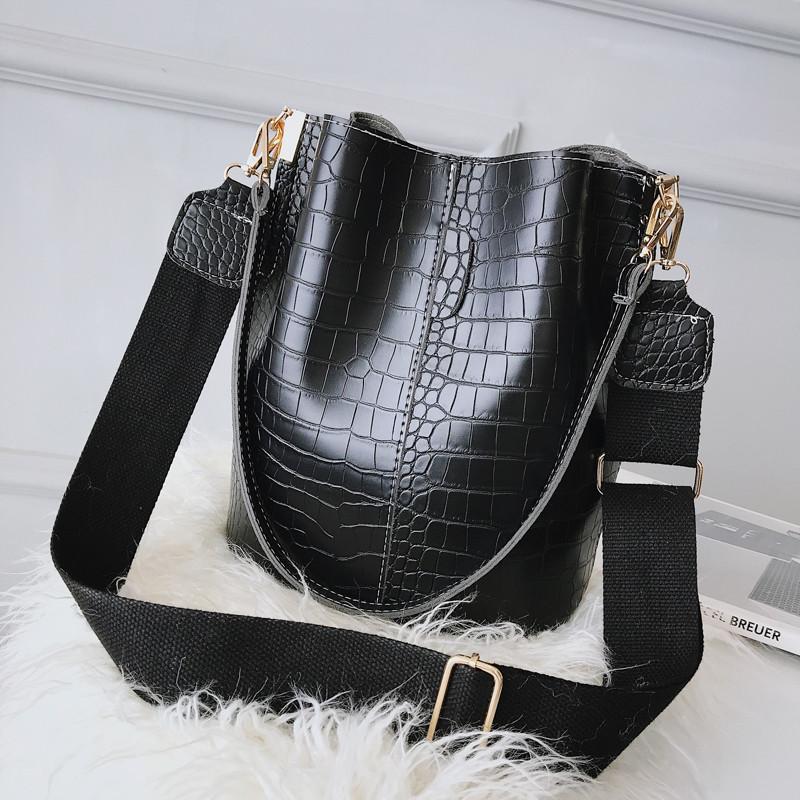 New 2020 European Style Women's Handbags Leisure Bucket Bags Female Tote Fashion Large Capacity Shoulder Messenger Bags