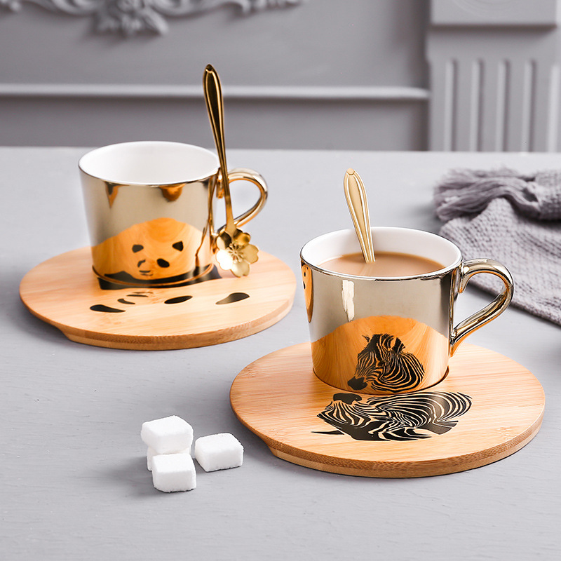 Gold Luxury Porcelain Cup and Saucer Ceramics Simple Tea Sets Creative Kitchen Coffee Cups Tazas Para Cafe Home Decoration