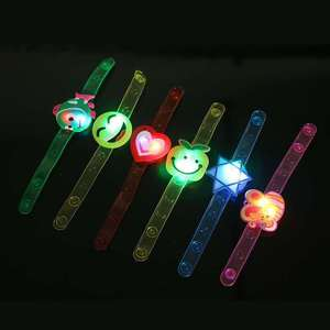2020 Multicolor Light Flash Toys Wrist Hand Take Dance Party High Quality Dinner Party Gift for Kid Random LED Color Lamps Light