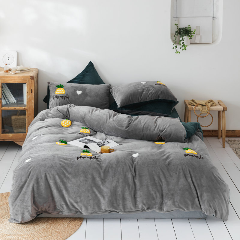 2019 New Products Bed Winter Four-piece Set Thick Double-Sided Warm Milk Velvet Sheet Quilt Cover Embroidered Flannel