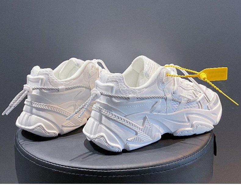 Модные белые женские кроссовки 2020 в готическом стиле Корейском
