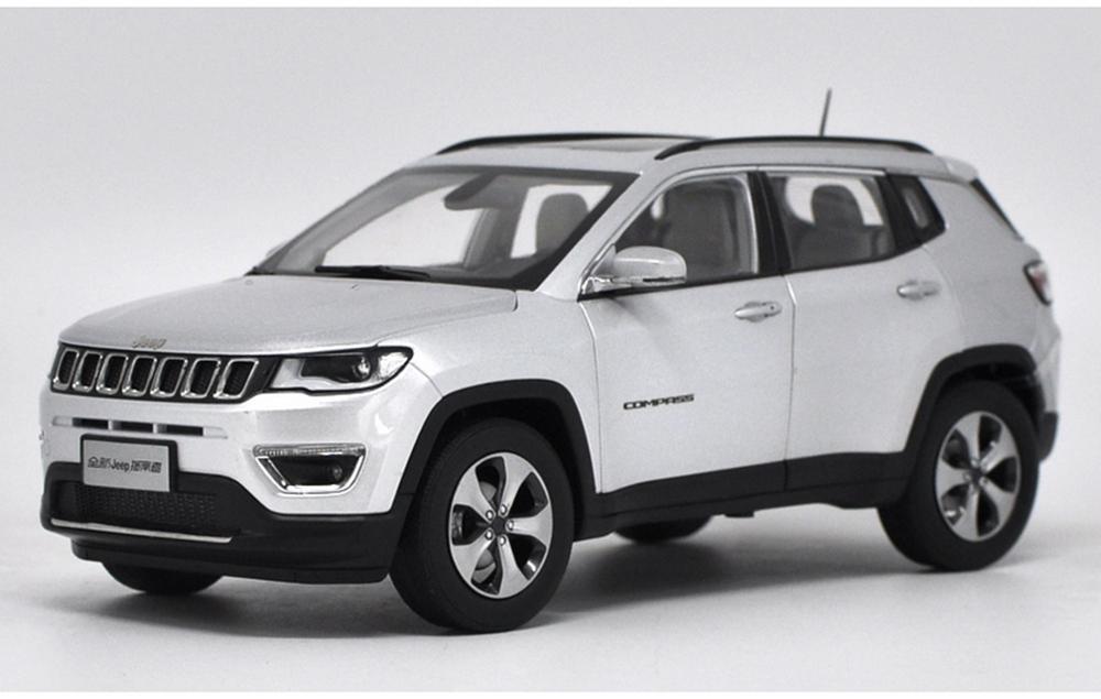1/18 échelle Jeep boussole SUV 2017 argent moulé sous pression voiture modèle jouet Collection cadeau