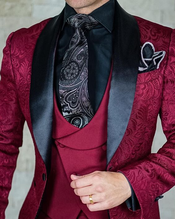 2020 Tailor-Made Burgundy Wedding Men Suits Slim Fit Tuxedo 3 Pieces Suits Groom Prom Jacquard Blazer Terno Masculino Suits