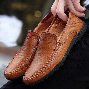 Image 1 - Zapatos casuales de cuero genuino para hombre 2019 mocasines transpirables zapatos de conducción negros talla grande 38 47 b1374