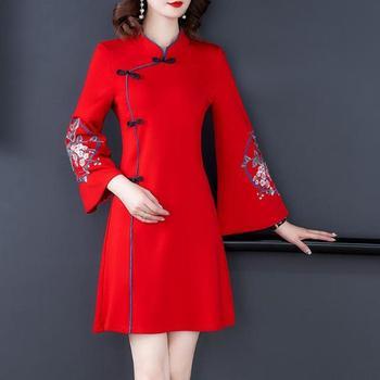Ropa de Año Nuevo tradicional chino para mujer, vestido Cheongsam grueso de invierno con bordado de grulla, camisa Vintage de lana para mujer Qipao