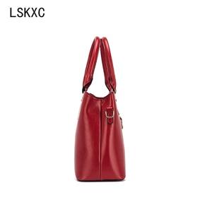 Image 4 - Lskxc feminino um ombro moda feminina bolsa de grande capacidade portátil lazer couro do plutônio para mulher