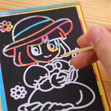 1 pcs Small Size Kids Scraping Painting Education Learning Toys For Children Scratch Black Cardboard Draw Paper Sketch 9*12CM