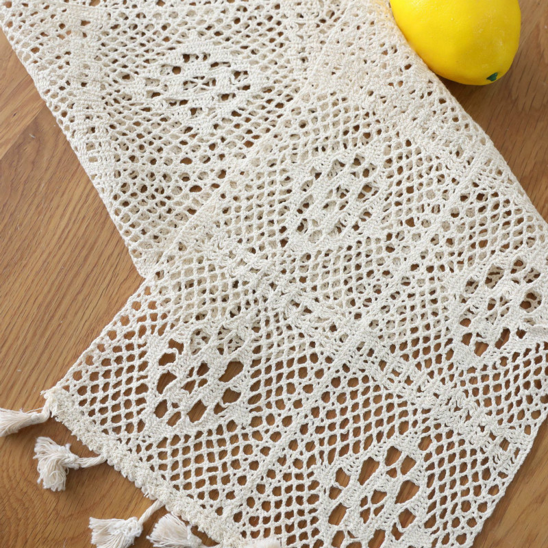 Cotton Table Runner Hollow Handmade Crochet With Tassel Tables Cloth Home Kitchen Romantic Wedding Decor Runners