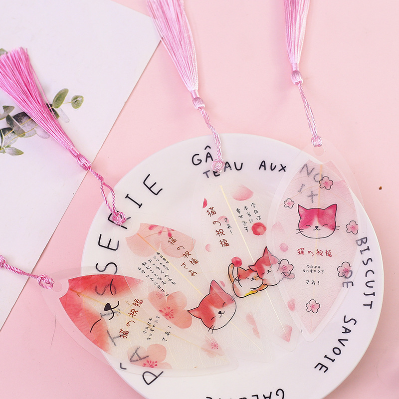 1X Cute Smile Cat Leaf Shaped Bookmark With Tassel Marker Of Page School Office Supply Student Stationery Kid Gift
