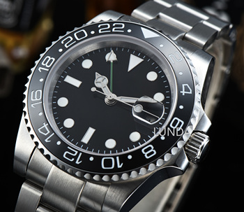 Watch 40mm Black Dial Sapphire Glass Ceramic Bezel Date Luminous Automatic Movement mens Relogio masculino R2