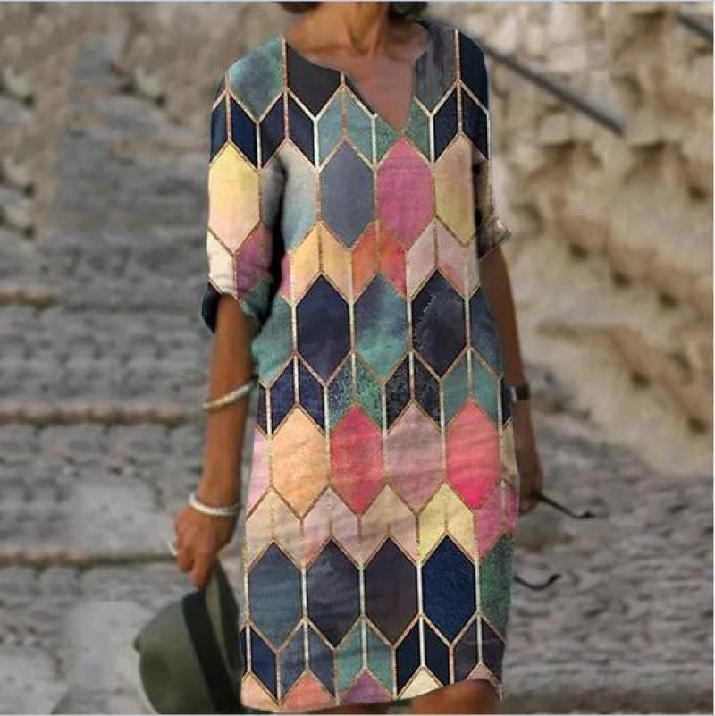 Sommer frauen Kleider Lose V-ausschnitt Knie-Länge Plus Größe Weibliche Kleidung Geometrische Vintage Beiläufige Halbe Hülse Dame Kleider
