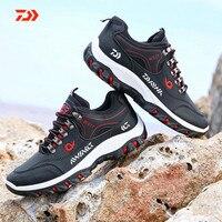 Homem daiwa caminhadas sapatos de pesca anti-skid montanha escalada botas ao ar livre atlético respirável à prova dwaterproof água anti-usar sapatos de pesca