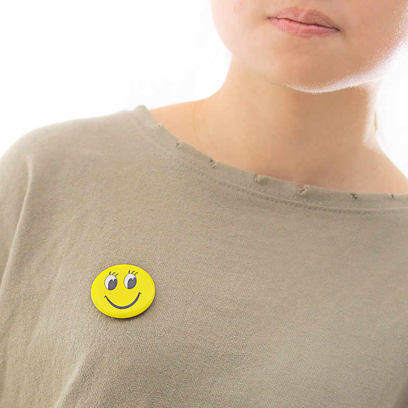1 Pcs Ronde Smiley Gezicht Badge Cartoon Broche Badges Metalen Badge Leuke Jurk Decoratie Ober Badge Diy Craft