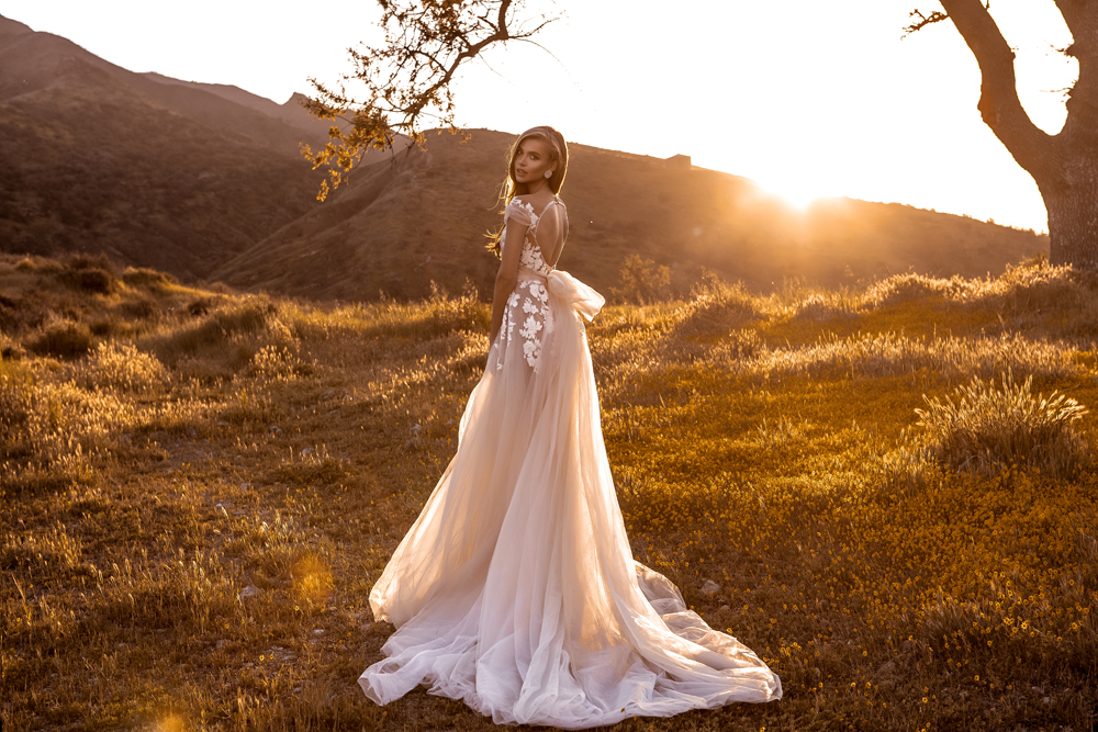 Robe De mariée blanche ivoire modeste col en V fleur Appliques dos nu Robe De Mariee Sofuge dubaï arabe Abiti Da Sposa