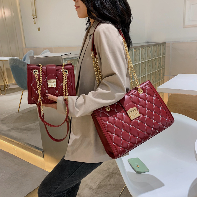 new bags for women 2019 Simple Fashion Casual Shoulder Bag Handle Bag Lady Big Capacity Purse Leather Female Big Chain Tote 01 in Shoulder Bags from Luggage Bags