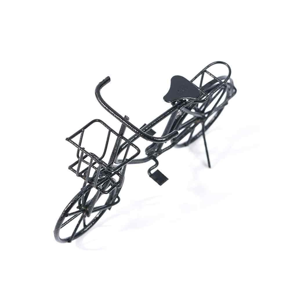 จักรยานของเล่นรุ่น 1:12 Scale โลหะสีดำสุภาพสตรีจักรยานตะกร้าบ้านตุ๊กตาจักรยานตกแต่งสวน