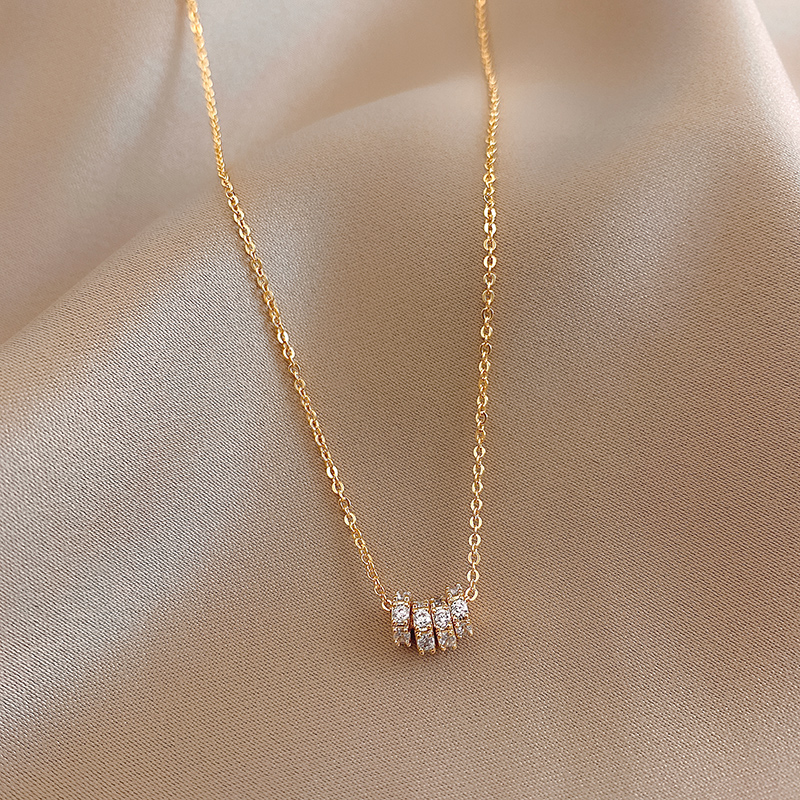 Korea Hot Selling Fashion Jewelry 14K Gold Plating Simple Round Pendant Necklace Elegant Sexy Women Clavicle Necklace