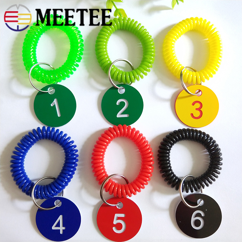Meetee 50pcs Colorful Plastic Number Disc Wrist <font><b>Coil</b></font> Buckle Locker Room Gym Sauna Swimming Club <font><b>ID</b></font> Card Bracelet Hook DY202 image