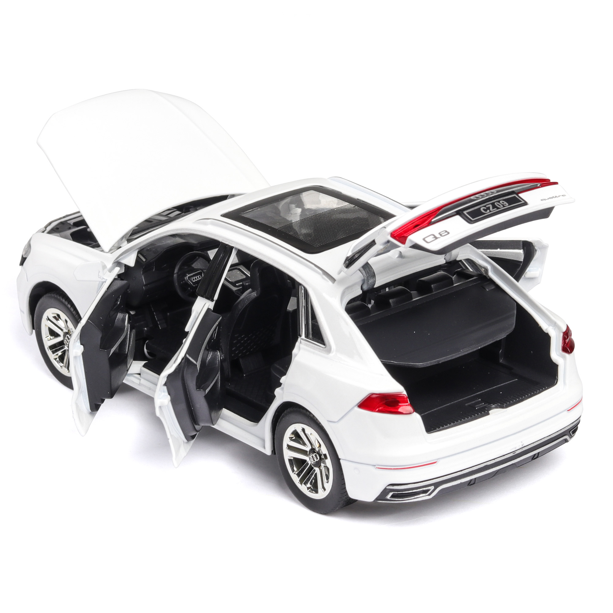 1 24 high simulation Audi Q8 with sound and light pull back alloy toy car model