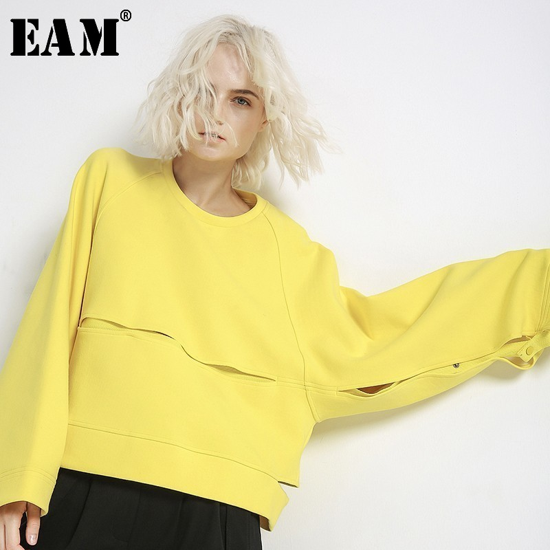 [EAM] Loose Fit Yellow Split Joint Short Sweatshirt New Round Neck Long Sleeve Women Big Size Fashion Tide Spring 2020 JH357