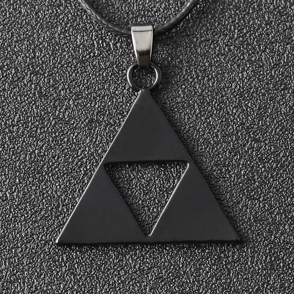 The Legend Of Zelda Collana Triforce Trinity Triangolo Amuleto Del Pendente Nero di Modo Dell'annata Monili di Gioco di Cosplay Delle Donne Del Commercio All'ingrosso