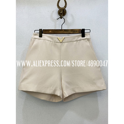 High-end fabric 2020 spring and summer women's new silk + wool metal decorative buckle casual shorts high waist shorts