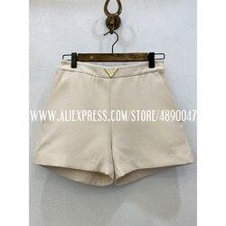High-end-stoff 2020 frühjahr und sommer frauen neue seide + wolle metall dekorative schnalle casual shorts hohe taille shorts
