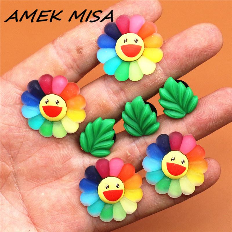Single Sale 1pc Resin Shoe Charms Cute Smiley Rainbow Flower Shoe Accessories Shoe Buckle Decorations Fit Croc JIBZ Kids X-mas