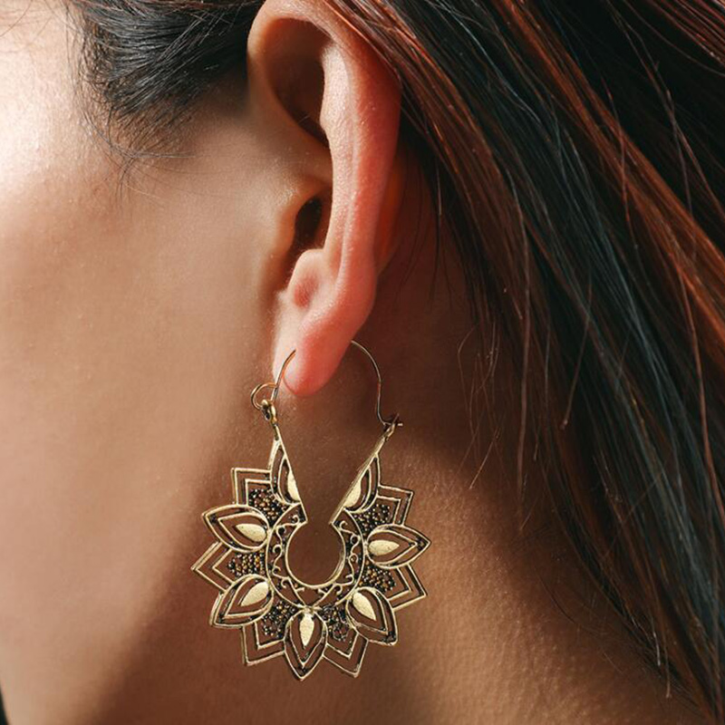 H8411e0c1a1194d2085cc2d4b1b7b9cc5Y - Tibetan Silver Color Color Carved Flower Vintage Ethnic Drop Dangle Earrings Retail Jewelry Jewellery Gift For Women