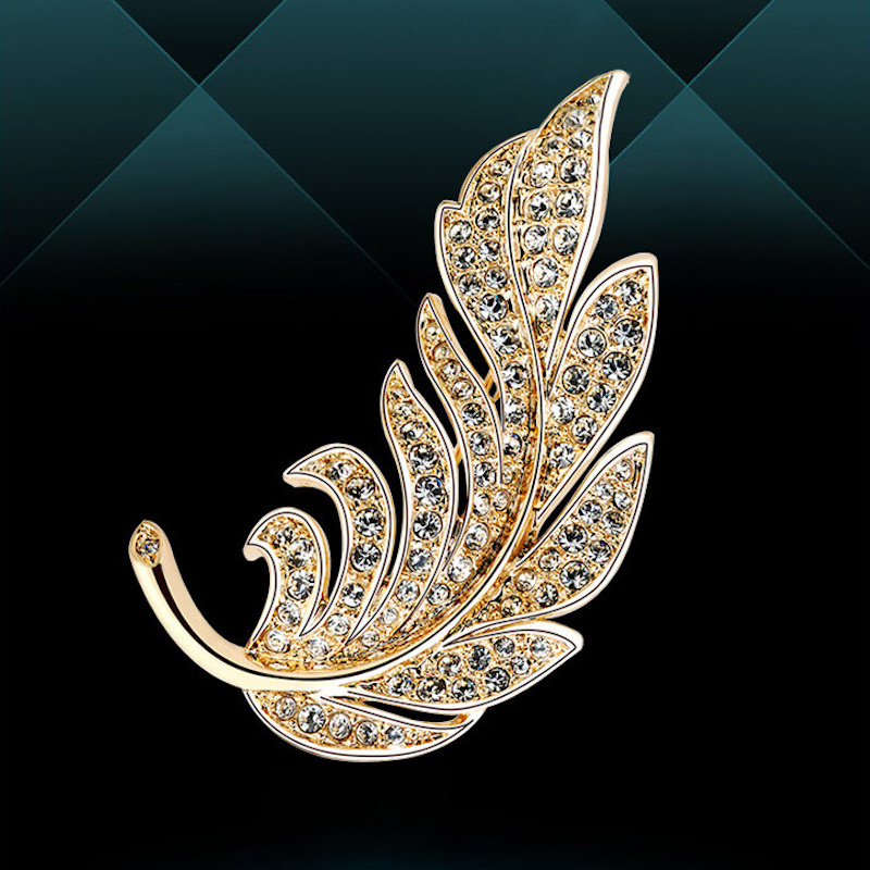 Jewelry High-end crystal brooch Gifts for women Feather brooch Lovers Enamel pins Coat cc brooch Brooches for women suit Jewelry