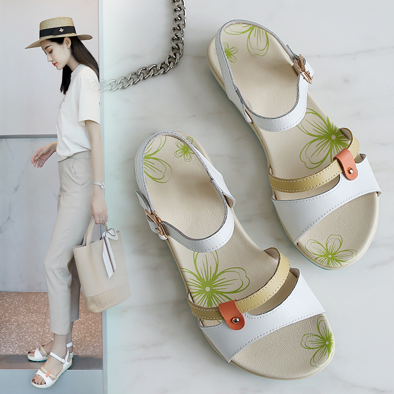 2020 Summer Women Beach Sandals Lightweight Leather Hiking Sandals Outdoor Barefoot Sandalias Deportivas Feminina Casual Shoes