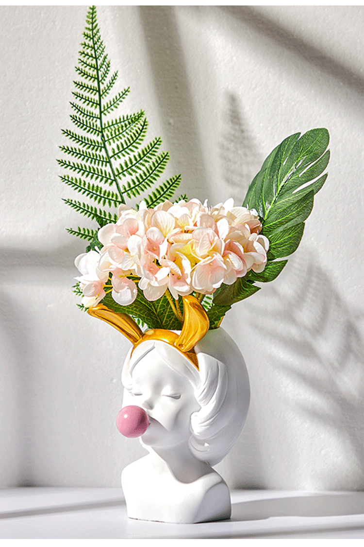 bubble gum head vase