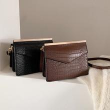 Retro Alligator Pattern Clip Small Flap Bags Women Luxury Handbag Fashion Design