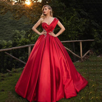 Sexy Red Ball Gown Quinceanera Dresses One Shoulder Backless Prom Gowns for Sweet 16 Formal Long Party vestido 15 anos