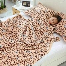 Leopardo coral velo casa flanela cama cobertor escritório colcha folha de cama tamanho grande 230x250cm