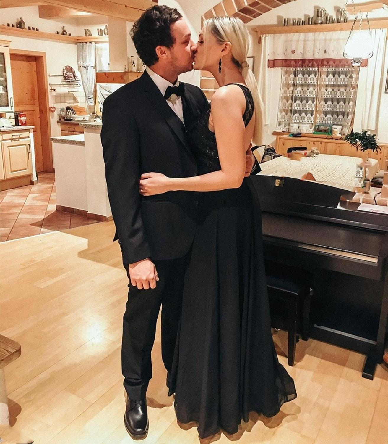 Lorie 2020 Black Evening Dress Long Lace Chiffon Elegant Special Occasion Gowns Sleeveless A-line Formal Party Prom Dresses